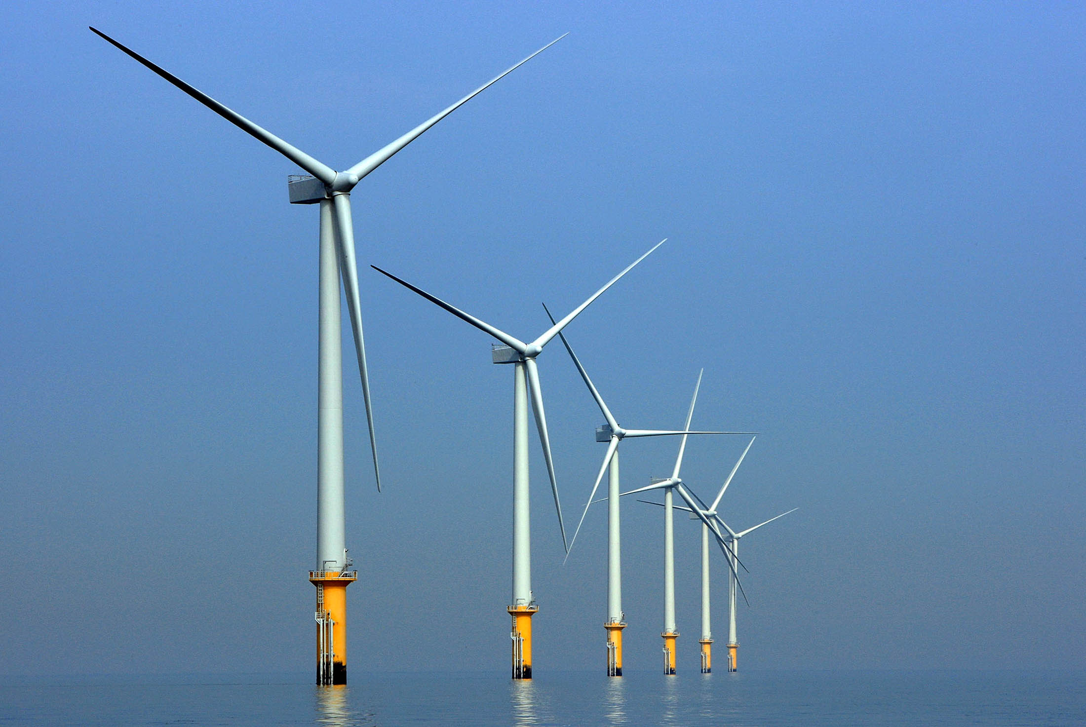 Statoil Set to Build World s First Floating Wind Farm Bloomberg