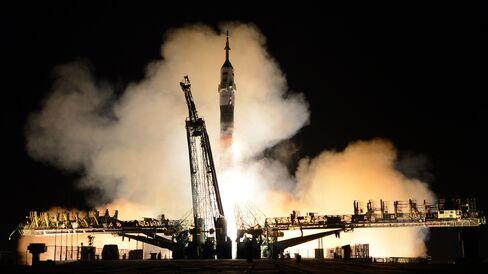 Soyuz Rocket Blast off to International Space Station