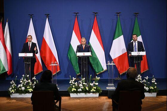 Populist EU Leaders Seek 'Renaissance,' Fail to Form New Party
