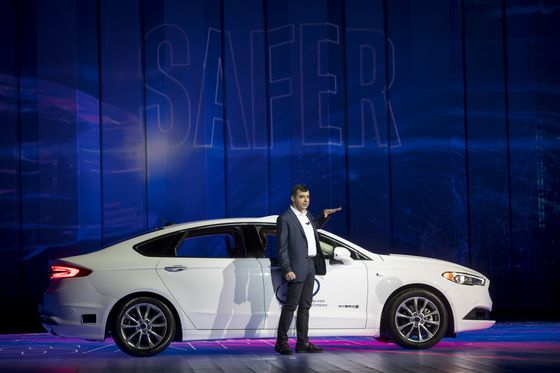 Mobileye Opens Up Driverless Tech as Tie-Up With Intel Deepens