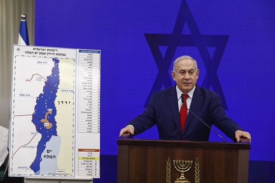 Netanyahu Takes Cabinet to West Bank to Hammer Home Vote Message