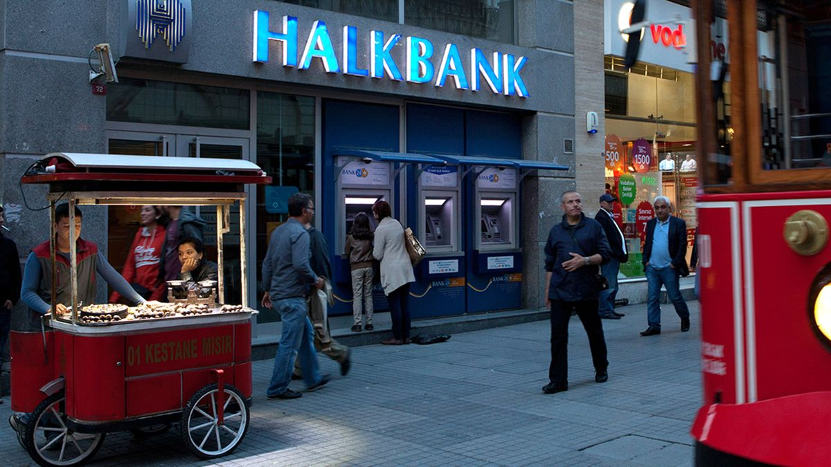 Erdogan Accuses Former Allies of Alleged Fraud Over Halkbank