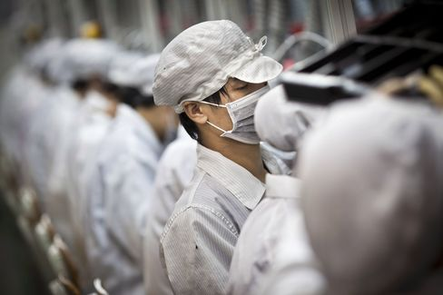 Foxconn Workers Return to IPhone Production After Stoppage