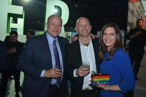 David Tepper, Mike Novogratz and Sukey Novogratz. Photographer: Amanda Gordon/Bloomberg