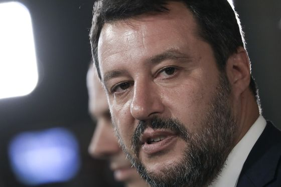 Italy Populist Defeated in Key Vote, Lifting Conte Coalition