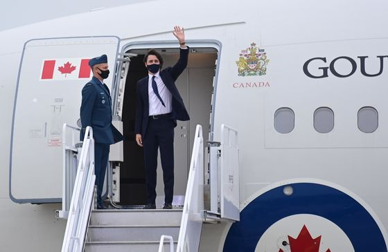 Trudeau Urged to Drop Border Ambiguity and Salvage Summer Travel