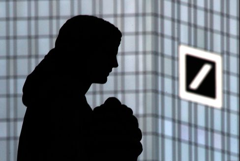 Deutsche Bank Dodging Share Sale Seen as Laggard on Capital