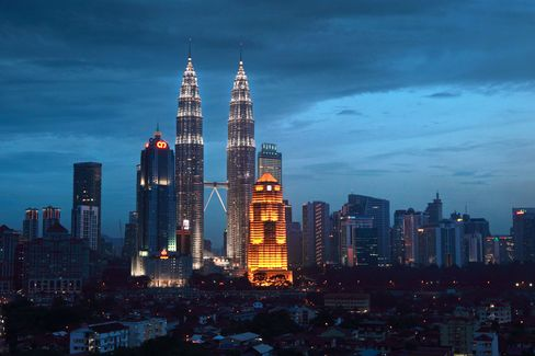 Petronas Said to Offer Progress Relisting to Win Canada Support