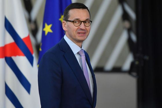 Polish Voters Send Ruling Populists Warning in Regional Vote