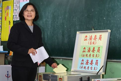 Tsai Ing-wen casts her vote