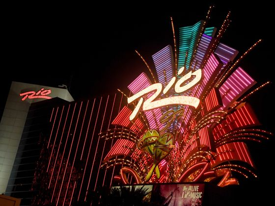 Billionaire Reuben Brothers Hit Vegas With Financing for Rio Casino