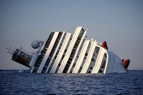 Carnival Sees Smoother Waters, Putting ???Voyage Disruptions??? in Its Wake
