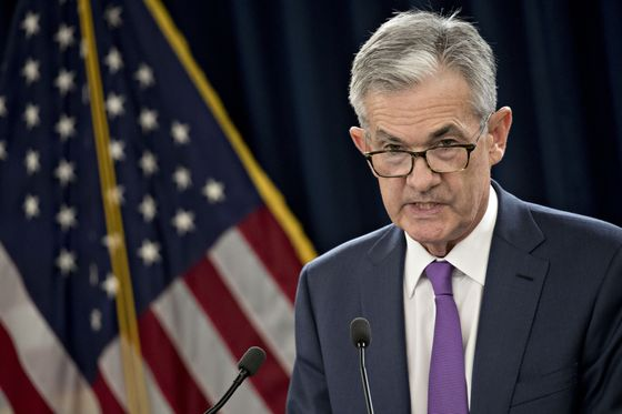 Powell's Monetary Policy Gets Muddled by Jittery Markets, White House