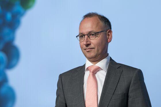 Bayer Board Plans to MeetAfter Investors Rebuke CEO