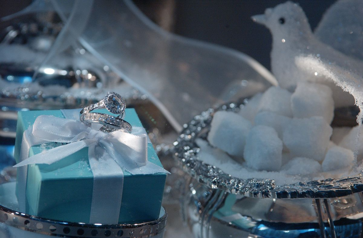 Tiffany Plans More China Stores as Tourist Spending Falls