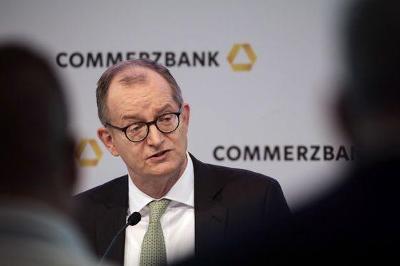 Deutsche Bank Is in Talks With Commerzbank After Turnaround Efforts Failed