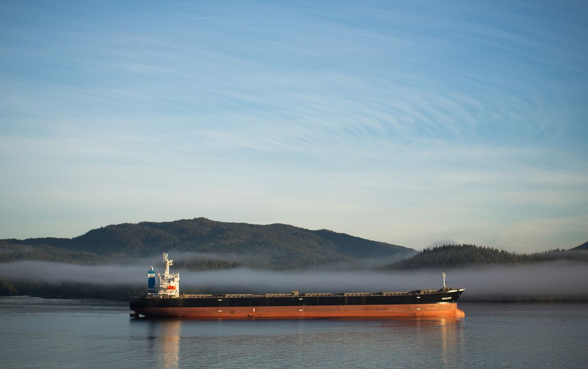 Oil-Sands Crude Sails From British Columbia Despite Federal Ban