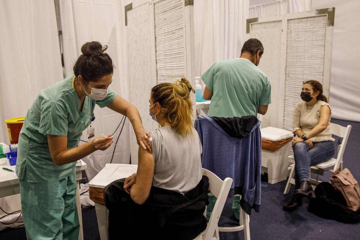 ワクチン接種開始から感染拡大の抑制まで3週間、イスラエルが報告