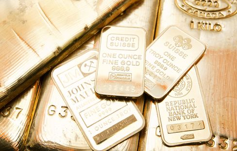 Gold Futures Rise to Six-Week High, Europe's Debt Woes Mount
