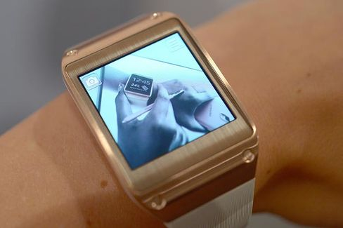 Samsung Gear: A Smartwatch in Search of a Purpose