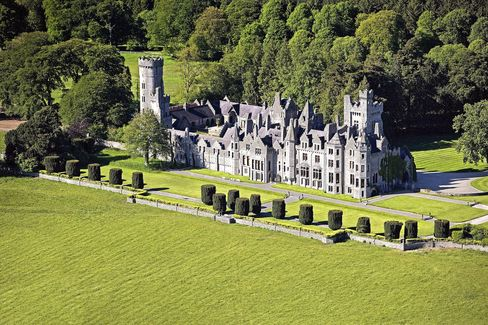 Billionaire Malone Buys Green Banana as Irish Castle Price Drop