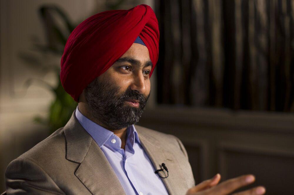 Indian Tycoon Accuses Brother, Spiritual Guru of Fraud