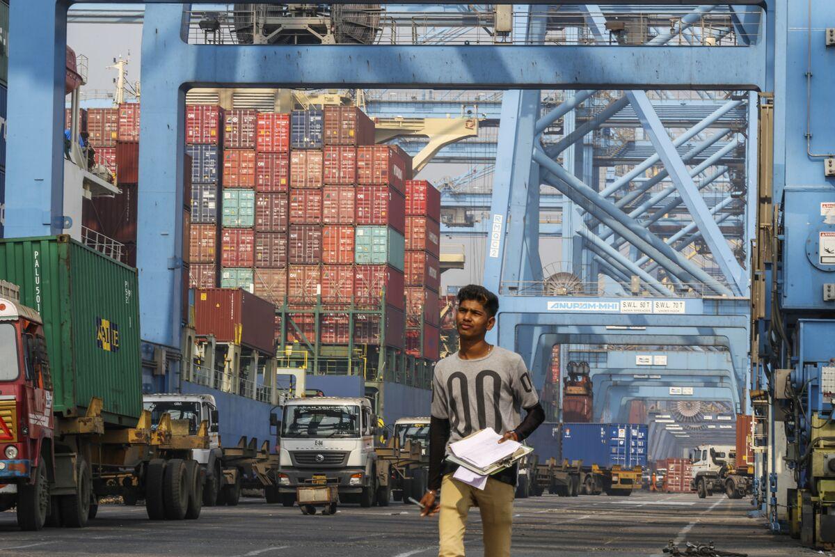 India Plans $7 Billion of Export Stimulus to Revive Economy