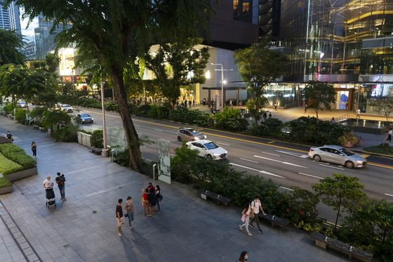 Decline of Singapore's Famed Shopping Strip Shows City's Pain