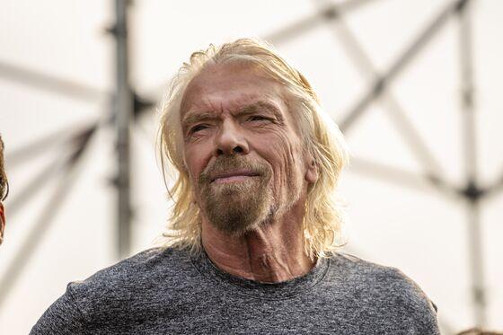 Branson's Virgin Atlantic Slows IPO to Focus on U.S. Restart