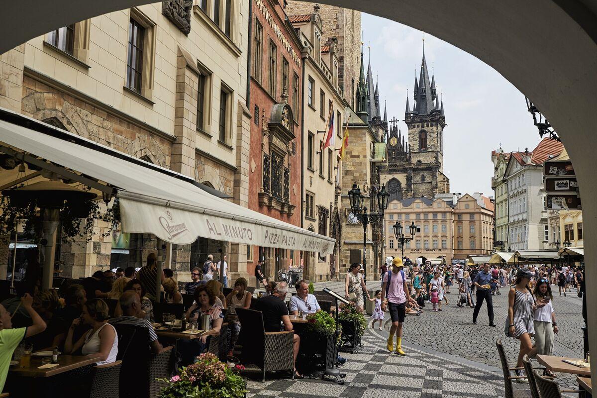 Czechs Plan $5 Billion Spending Boost as Slowdown Risks Loom