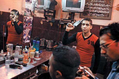 Investors Flee Egypt as Violence Spreads