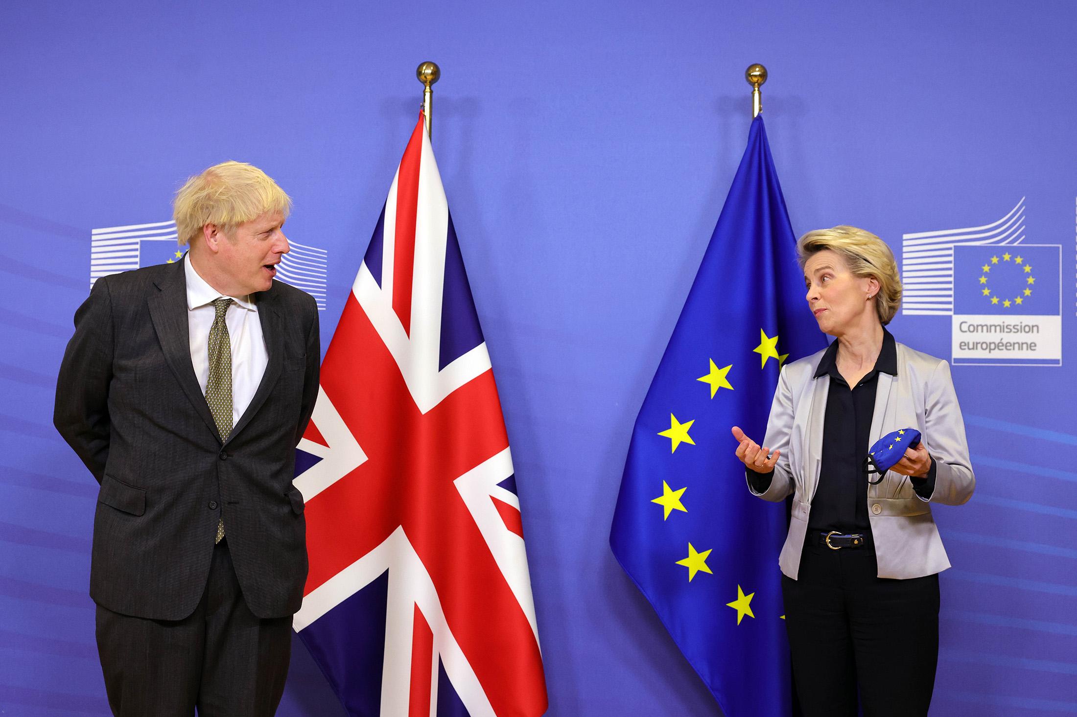 Johnson and Von Der Leyen Seek Brexit Breakthrough at Dinner - Bloomberg