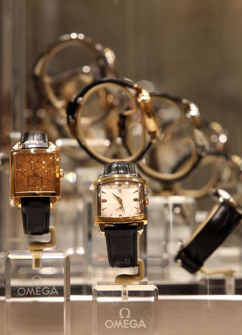 China Favor Seekers Cut Down on Gifts of Rolex Watches