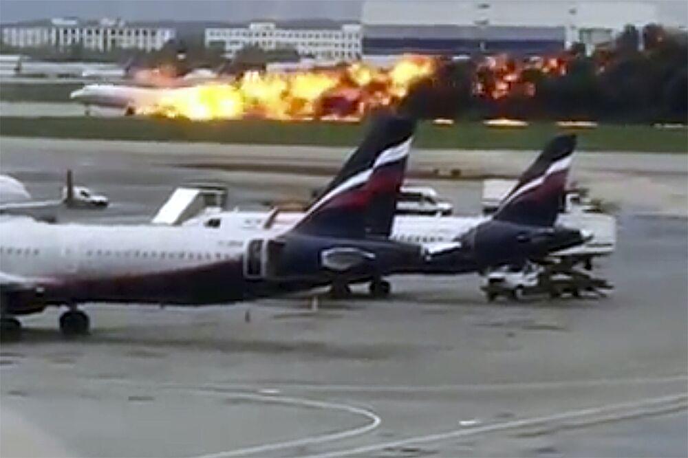 Resultado de imagen para SSJ-100 air crash aeroflot
