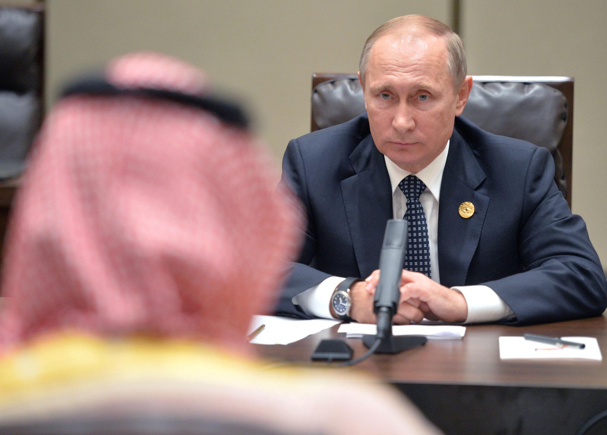 """Mercado de petróleo: O modo de ver da Rússia e Arábia Saudita, """"estão se aproximando"""""""