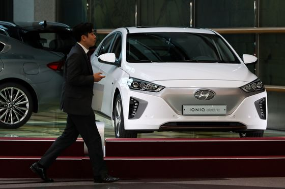 Hyundai Recalling 82,000 Electric Cars Over Battery Flaws