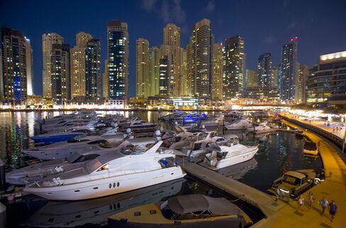 Luxury Yachts In Dubai Marina