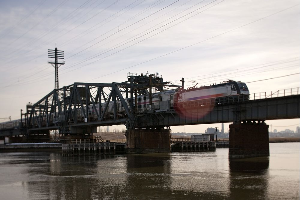 N.J.-NYC Trains Resume With Delays After Tugboat Strikes Bridge
