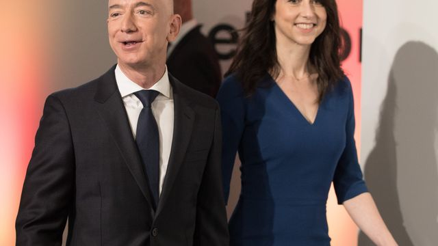 With 137 Billion At Stake Jeff And Mackenzie Bezos To Divorce