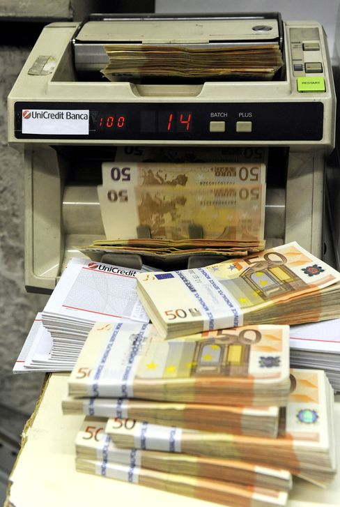Italian Banks Declare War on Cash