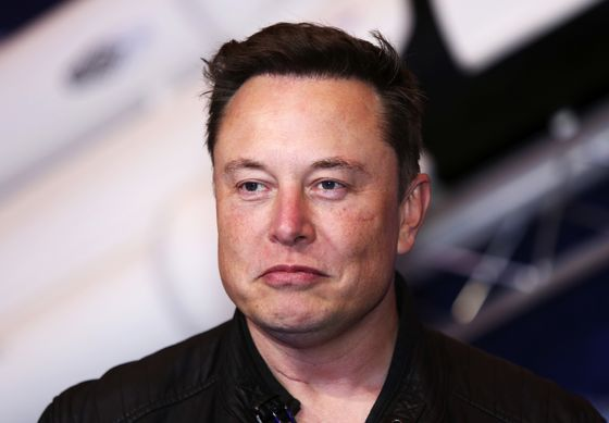 World's Richest Men, Musk and Bezos, Fight Over Satellite Fleets