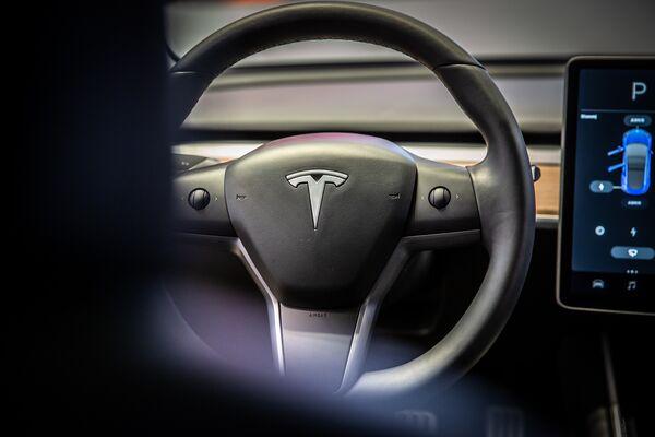 Tesla Shares Are Roaring Back