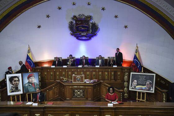 Maduro Embraces Capitalism and Venezuelan Emigres Are Returning