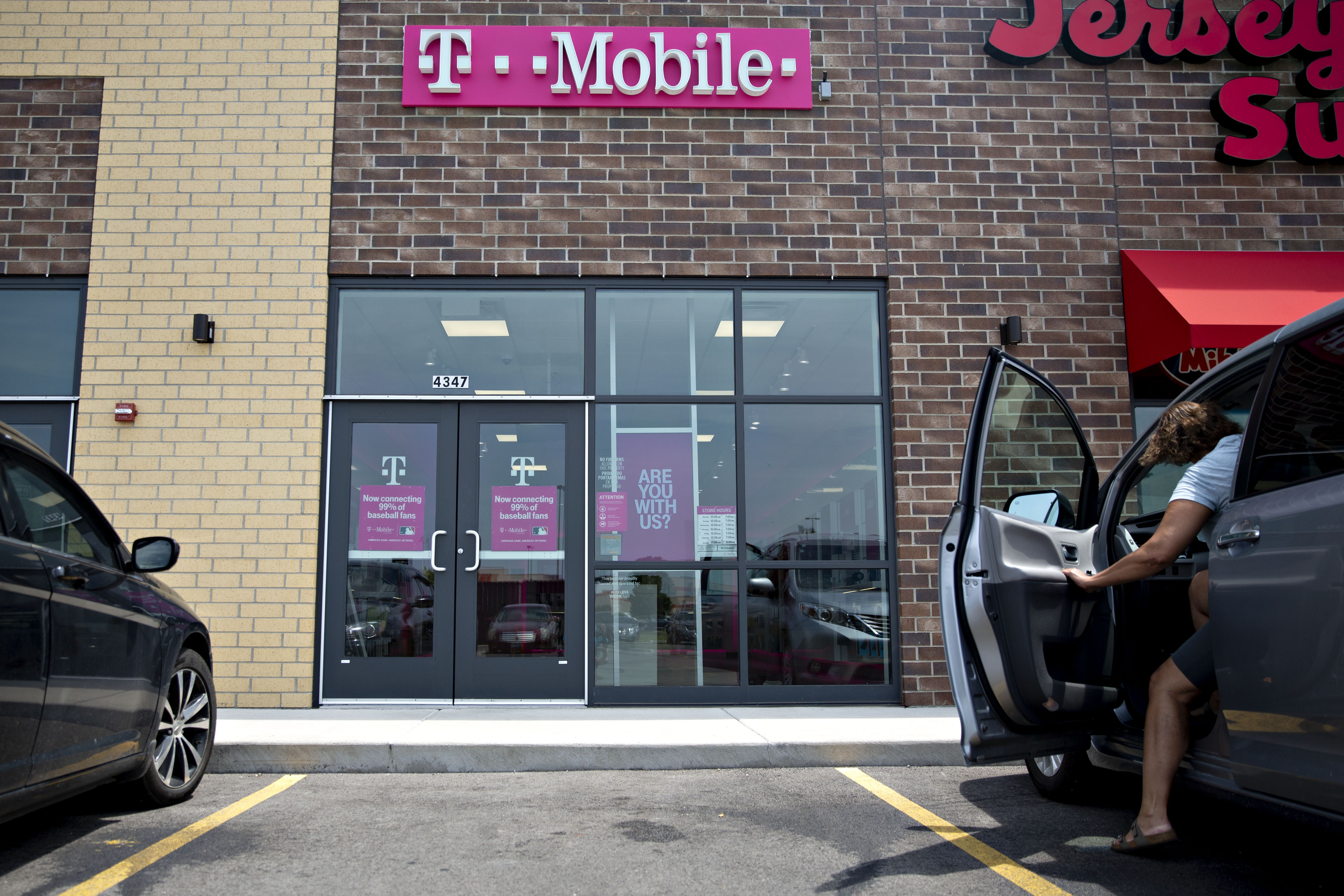SoftBank Confirms It Is Mulling Deal to Sell T-Mobile Shares ...