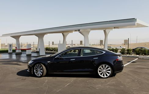 Tesla Billionaire Musk Rails Over New York Times Model S Review