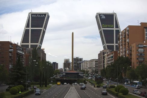 Risks That Sank Bankia Unseen by Customers Tapped for Oversight