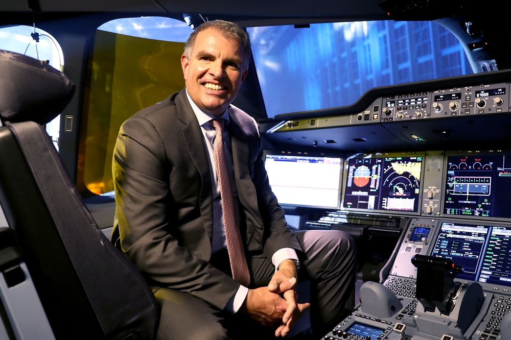 Lufthansa's Superstar Pilot Goes from Hero to Zero