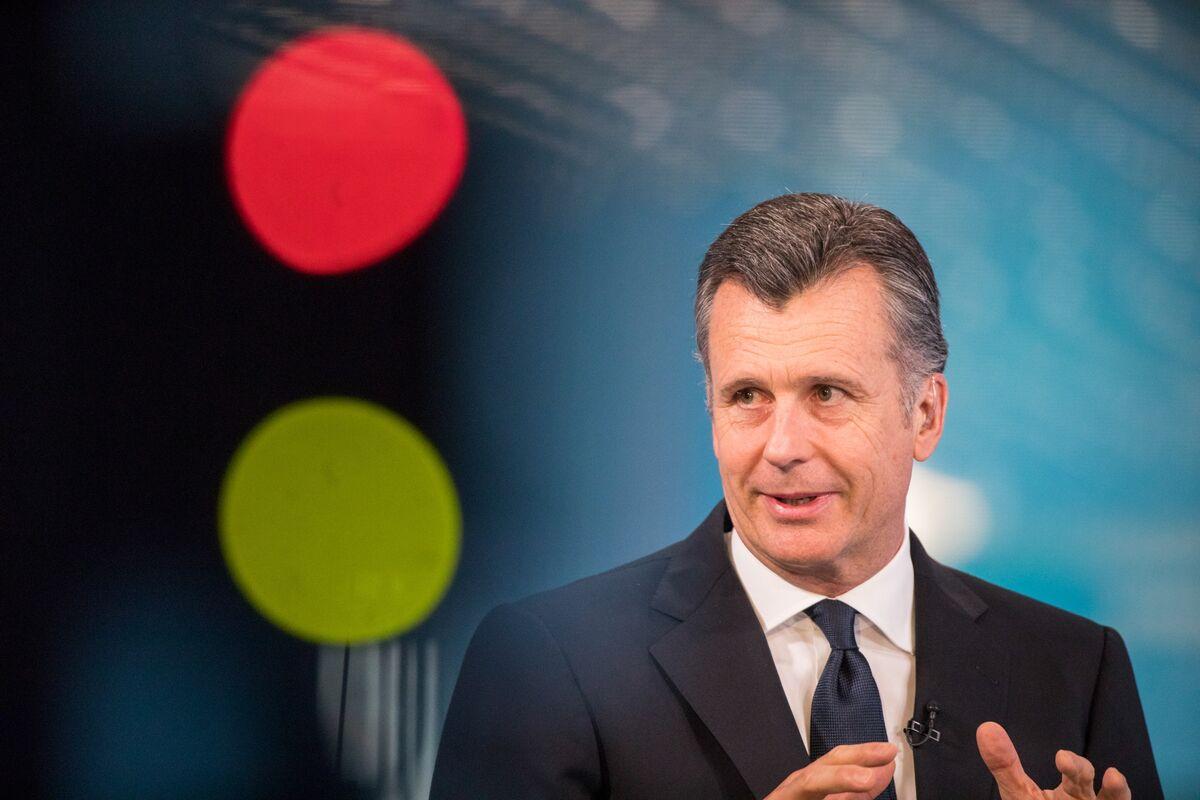 BlackRock's Hildebrand Tells Europe Cash Handouts Should Be Next