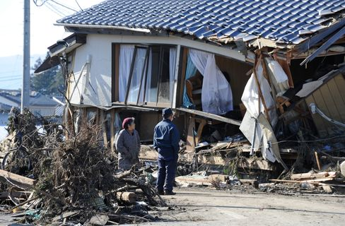 Death Toll From Japan Quake Nears 500