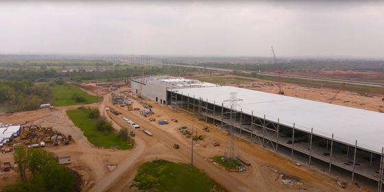 Musk's Warming Up to Gas Evident Once More at Texas Gigafactory